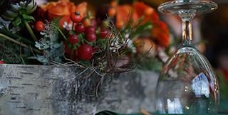 Weinglas mit dekoration